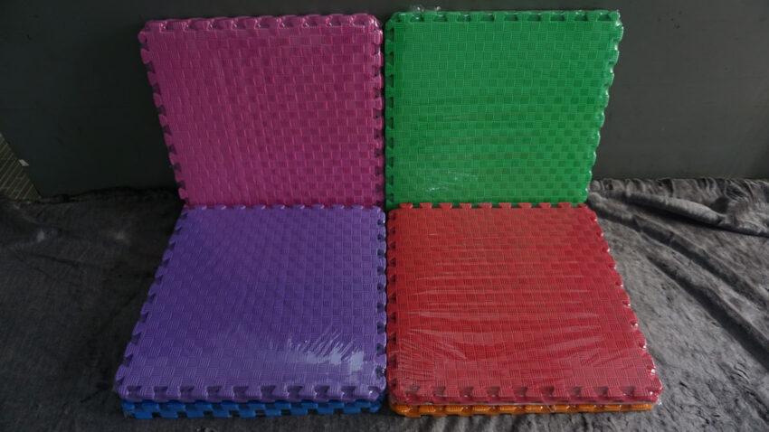 Thảm xốp màu 60x60cm